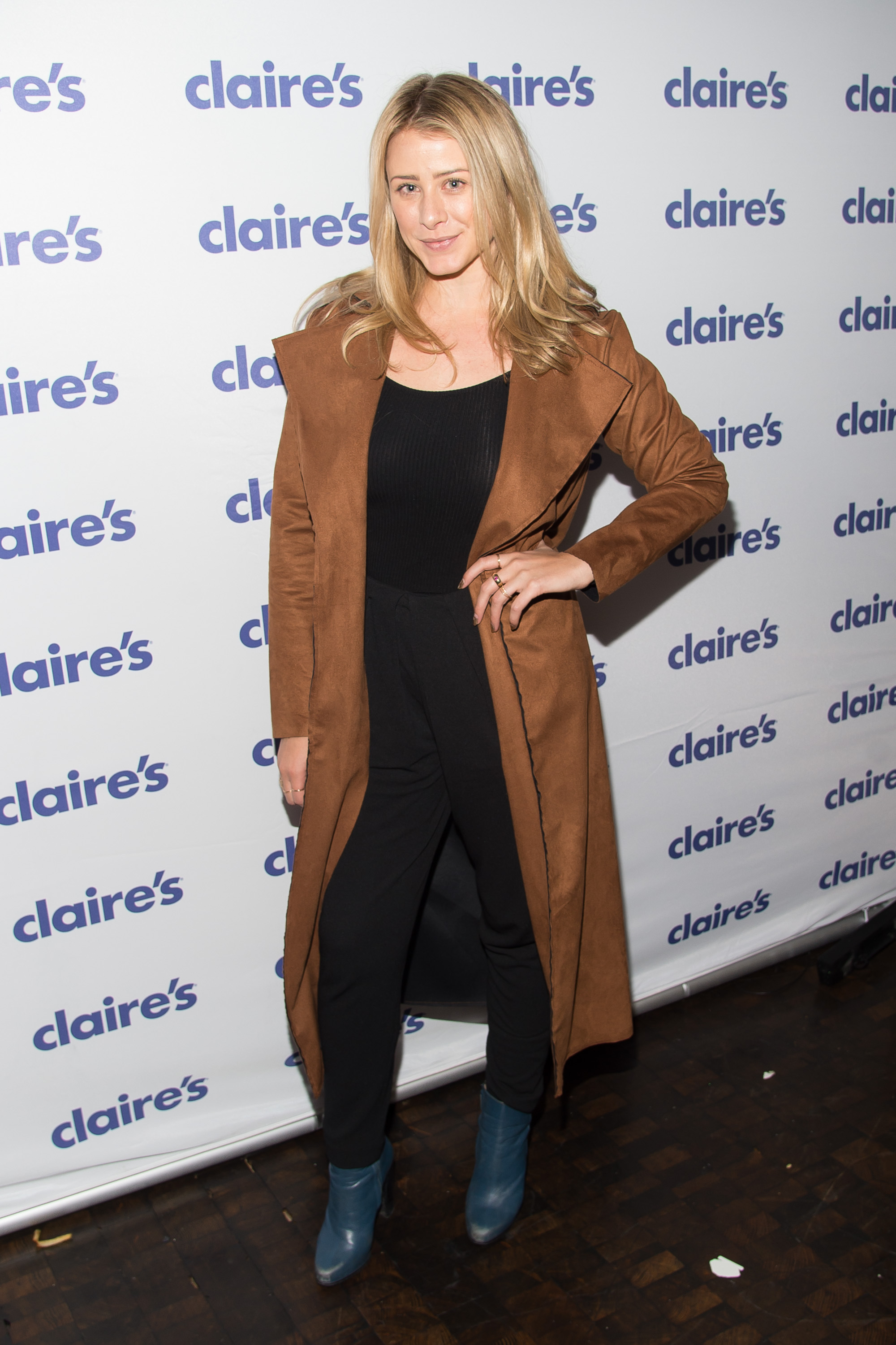 claire's store halloween party – empire images media